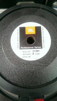 JBL 2118H